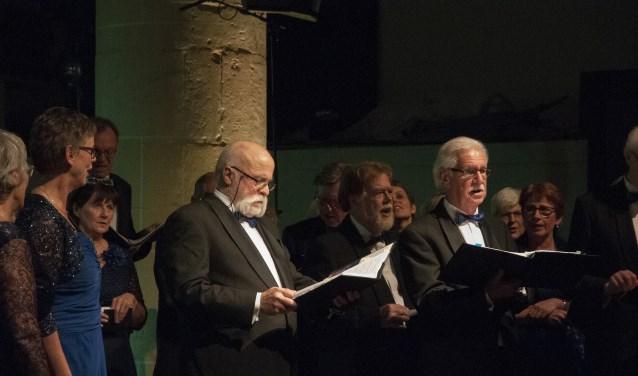 Classic WM tijdens Viva l'Opera in Groenlo, met solist Albert Dik (r). Foto: Marinus ter Horst