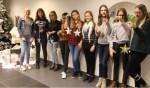 Jongeren van Girls@Home staan klaar met hun attenties. Foto: Dieuwertje Brandts Buys (Present)