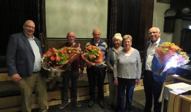 Vlnr. Wim Roekevisch jr., Gerrit Bergsma, Wim Roekevisch Sr., Dika Roekevisch, Jennie Bergsma en Marcellino Kropman. Foto: PR