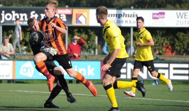 Actiefoto wedstrijd FC Zutphen zat. 1 tegen DOS KAMPEN 1 op 6 oktober 2018. Foto: Hans ten Brinke