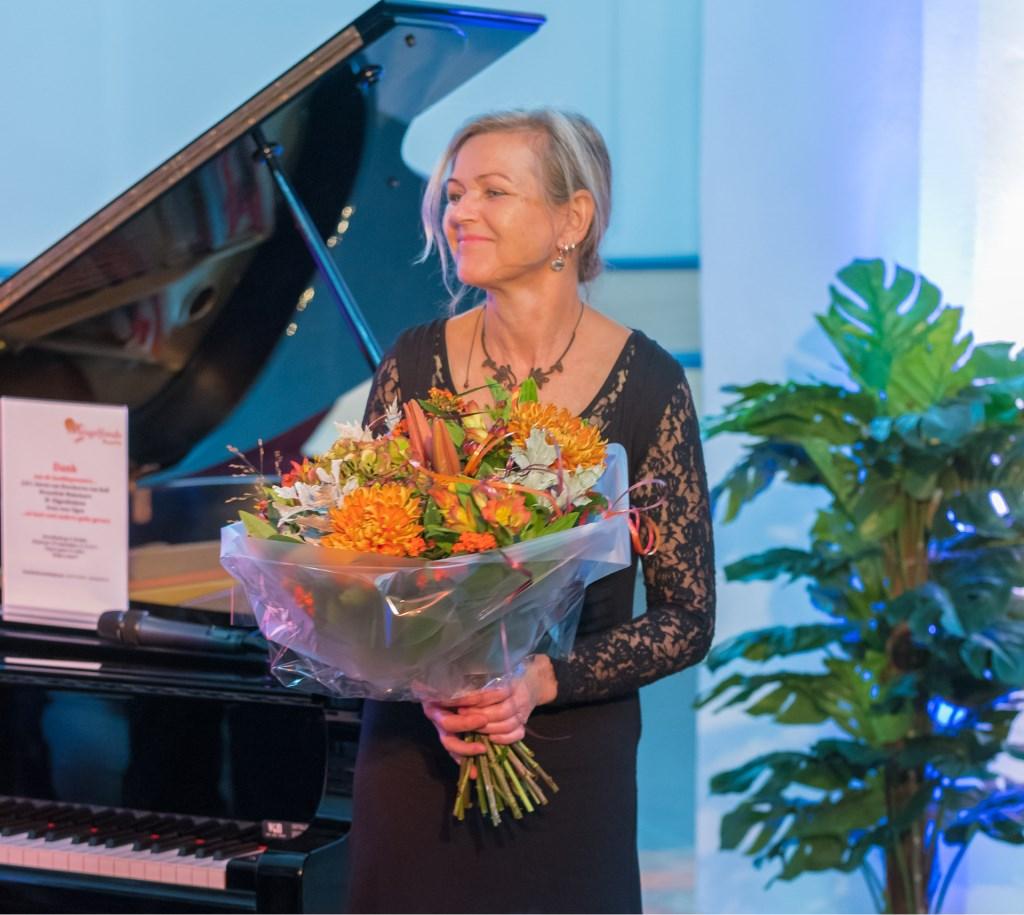 Irene Venderbosch speelde met Jan Vayne, met Lisette Elders, met Froukje van Eerde en alleen op die hele mooie vleugel. Foto: Louis Swart Foto: louis swart © Achterhoek Nieuws b.v.