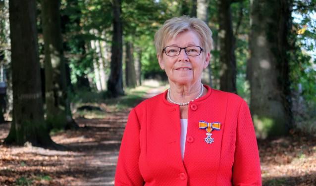Jo van Aken uit Hengelo is nu Lid in de Orde van Oranje Nassau. Foto: Luuk Stam