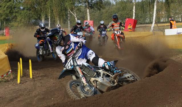 Marco Leerink pakt kopstart en wint. Foto: Henk Teerink