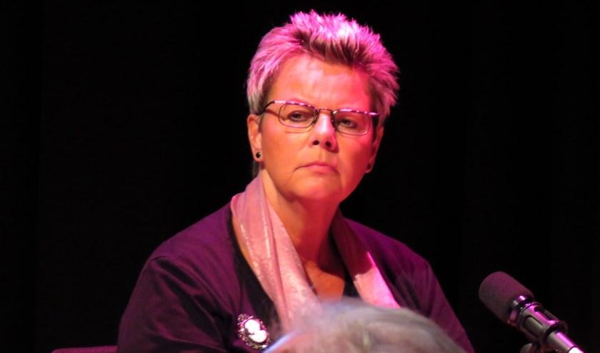 Marja Lukassen meent dat het vertrouwen in Domus is verdwenen en dat de opvang moet stoppen. Foto: Bert Vinkenborg