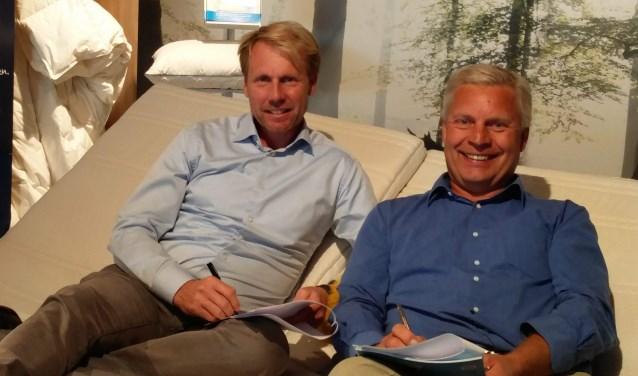 Hessel Lubbers, eigenaar van Morgana Doetinchem en Hans Horstink, voorzitter van Morgana DVO ondertekenen de overeenkomst. Foto: PR