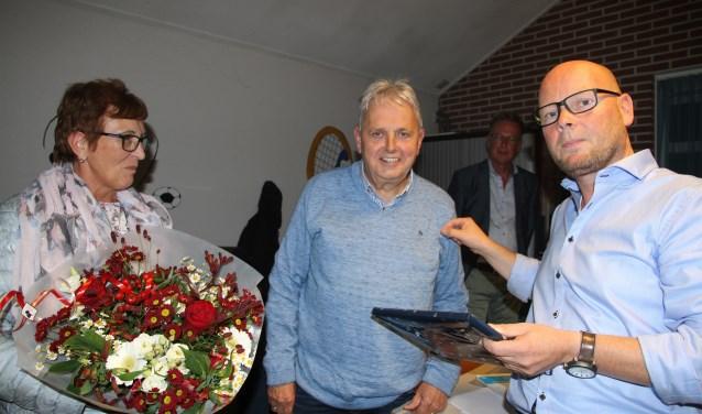 Vertrekkend penningmeester Gerrit Wansink is benoemd tot erelid van vv Reünie. Foto: PR
