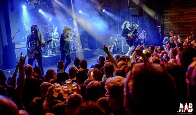 ACinDC treedt op in de Markthal tijdens Legends of Rock. Foto: PR