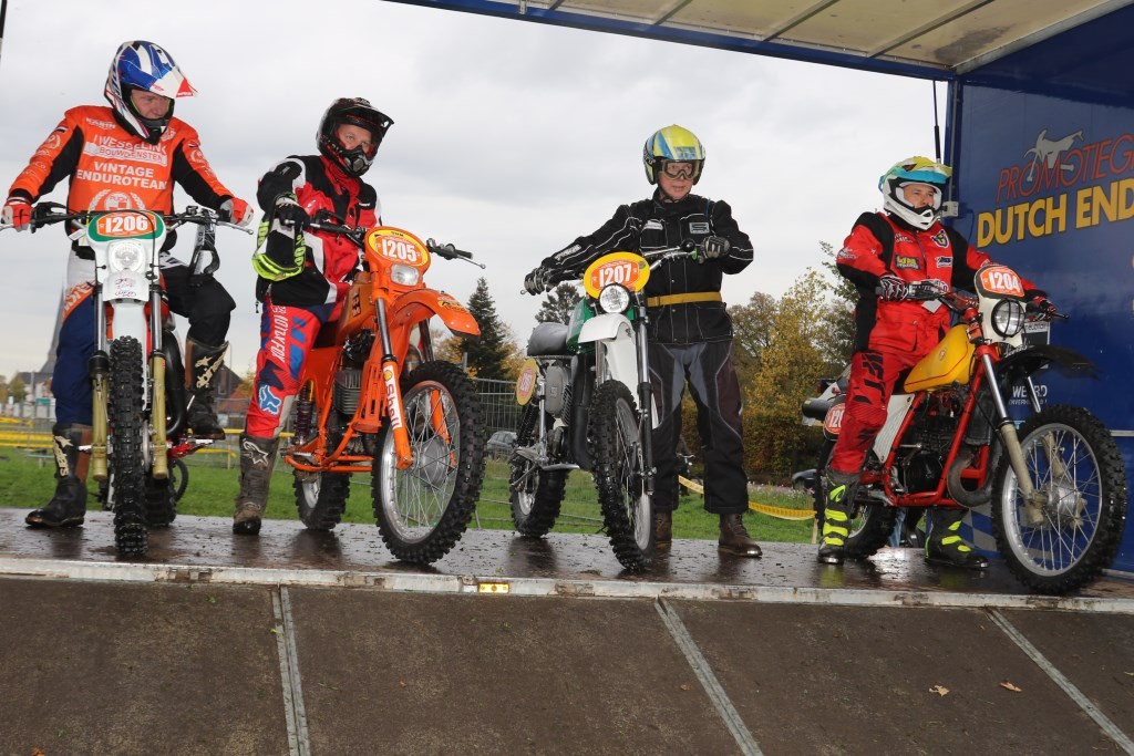 Classic deelnemers. Foto: Henk Teerink  © Achterhoek Nieuws b.v.
