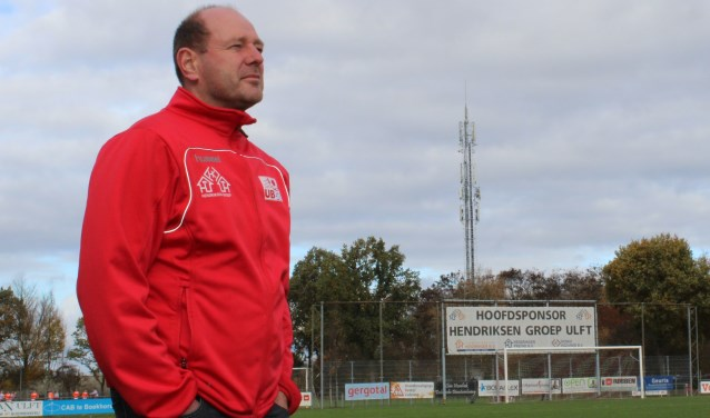 Patrick Visser, trainer van Ulftse Boys op Sportpark 't Oerseveld. Foto: John van der Kamp
