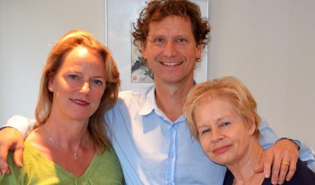 Els van der Waard, Emile van der Peet en Elizabeth Scarlat. Foto: PR