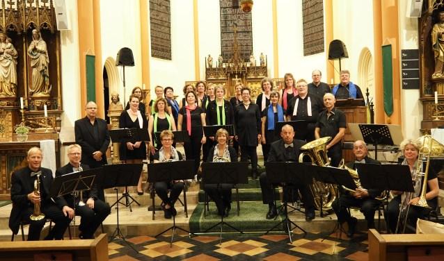 Kopergroep Com Cobre en koor 2gether geven samen een concert. Foto: Inge Wissink