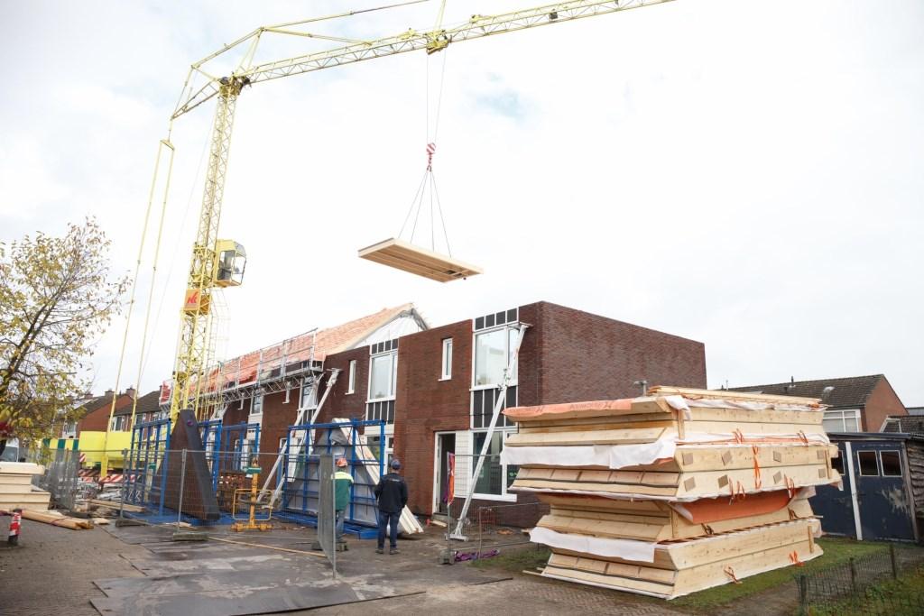 De huizen werden razendsnel opgetrokken. Foto: Hans Prinsen  © Achterhoek Nieuws b.v.