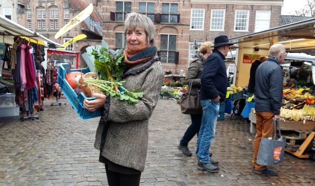 Op de zaterdagmarkt van 17 november vraagt Stadsvoedsel Zutphen aandacht voor seizoensgroenten. Foto: PR