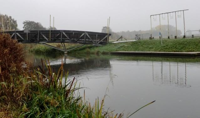 Hier, bij de brug, komt de sint aan in Gendringen dit jaar. Foto: Walter Hobelman
