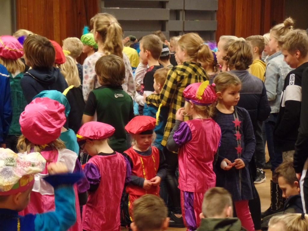 Talloze kinderen hadden zich als Zwarte Piet verkleed. Foto: Jan Hendriksen  © Achterhoek Nieuws b.v.
