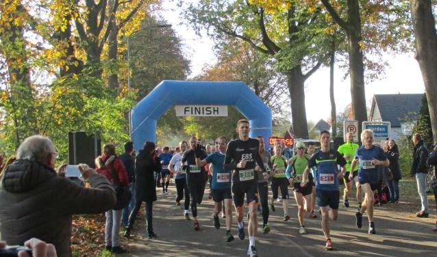 De Grote Veldloop kende een recordaantal van 450 deelnemers. Foto: PR.