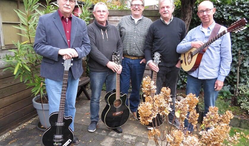 GoedVolk bestaat uit Hans Beernink, Wim Jansen, Frans van Gorkum, Stef Geurtzen en Henk Westerveld. Foto: Josée Gruwel