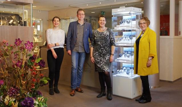 Het team van Van Eerden Goudsmid - Juwelier, met als tweede van links Marcel van Eerden. Foto: PR