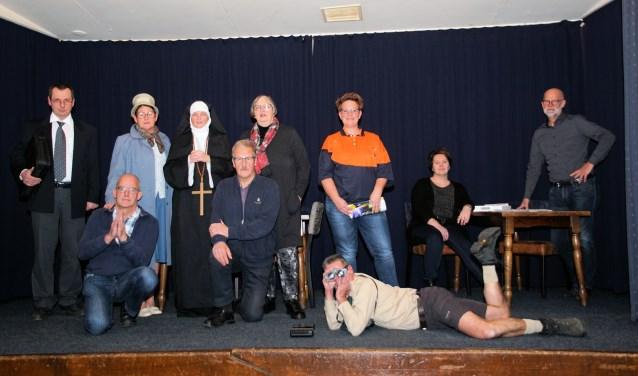 De cast van 'Nonnen over de vloer'. Foto: Frank Vinkenvleugel