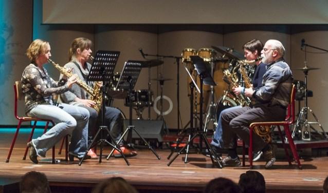 Het saxofoonensemble onder leiding van docent Liane Kuiper. Foto: PR