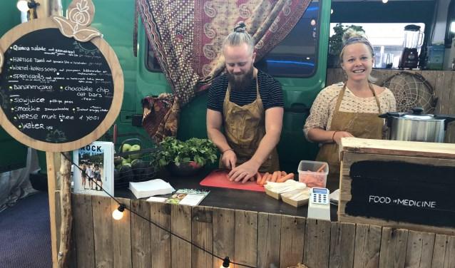 Kim van Waversveld verzorgt de workshop RAW-taarten en gezonde tussendoortjes. Foto: PR