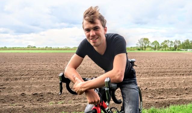 Veldrijder en wielrenner Joris Nieuwenhuis uit Zelhem traint graag in zijn eigen thuisregio. Foto: Luuk Stam