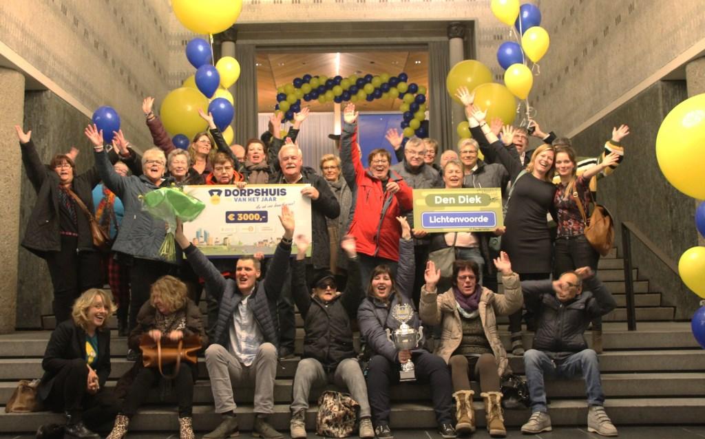 Uitzinnige vreugde bij de Lichtenvoordse delegatie. Foto: Annekée Cuppers