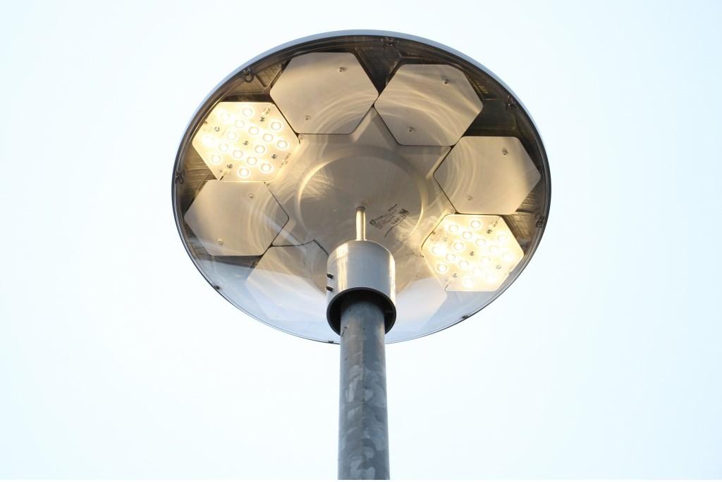 De eerste slimme ledverlichting in de gemeente Bronckhorst in Steenderen. Foto: Liesbeth Spaansen  © Achterhoek Nieuws b.v.