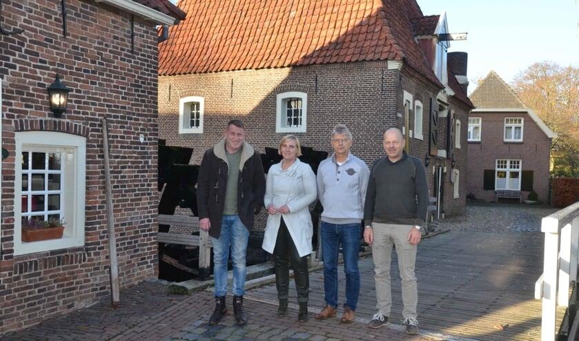 Op de foto van links naar rechts: Egbert Nijhuis, Ingrid van der Ark, Mattie Venderbosch en Chiel Vugts. Foto: M. van Tuijl