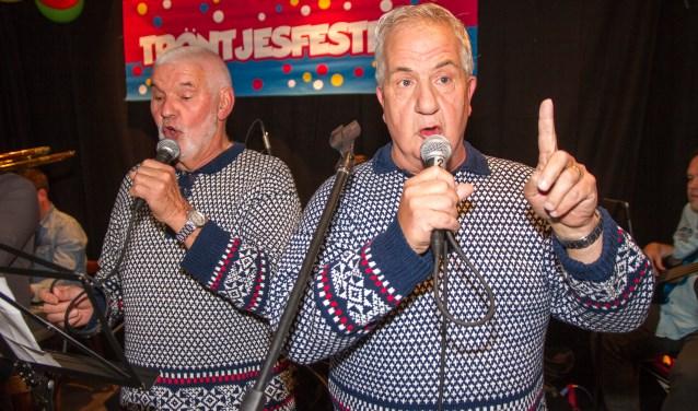 Nico Ressing (links) en Jan Klein Gunnewiek staan met hun 'Gees met' op nummer 5 in de Gelderse Top 33.
