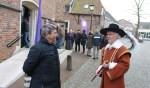 Hans de Graaf en 'Prins Maurits' waren twee van de deelnemende gidsen tijdens de Gelredag in Bredevoort. Foto: Leo van der Linde