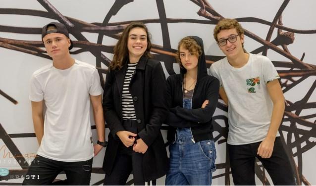 Van links naar rechts: Jim Moorman als Jacco Anne Telders als Eelke Manouk Pluis als Puck Daan Warnas als Michiel. Foto: Miortok Fotografie