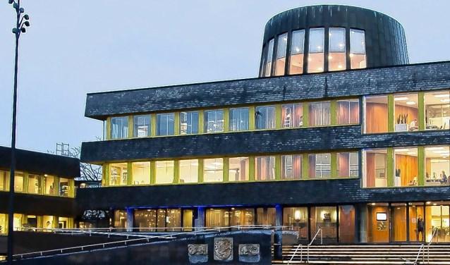 Het stadhuis in Doetinchem. Burry van den Brink