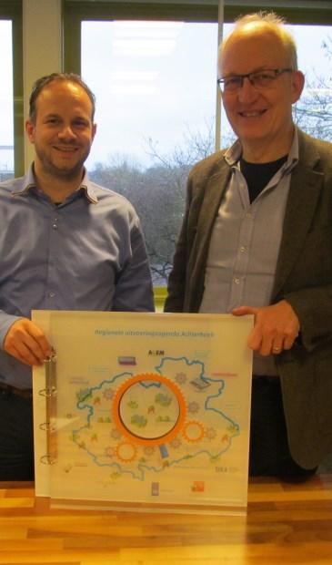 Wethouder Frans Langeveld (r) en Nando Klein Gunnewiek. Foto: Bert Vinkenborg