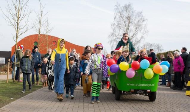 Carnavalsoptocht kinderen basisschool De Garve