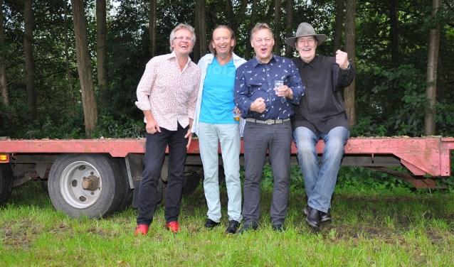 Bandleden Old Ni-js. Foto: PR