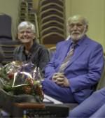 Ans en Marinus ter Horst worden in het zonnetje gezet. Foto:  Hans van Ommen