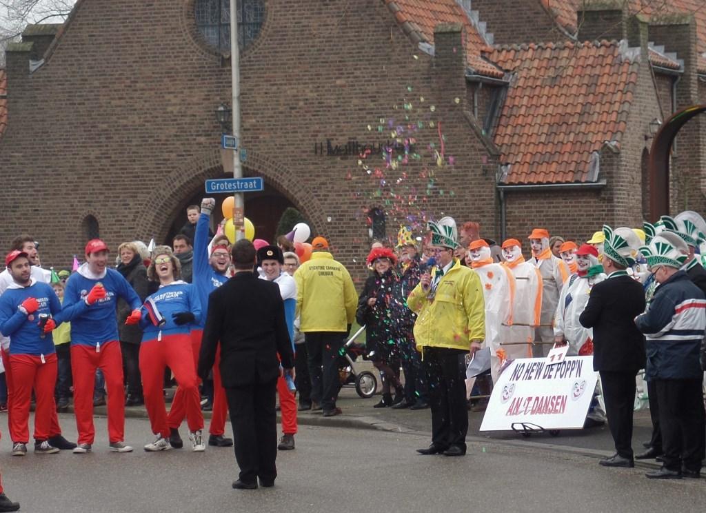 Lauwe CV Ketel verricht het startschot. Foto: Henri Walterbos © Achterhoek Nieuws b.v.