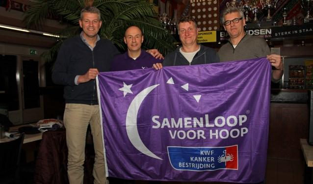 Marc van der Linden, motivator SamenLoop voor Hoop Dirk Hiddink, Cees van Voskuilen en Thiedo Sijtsma. Foto: Liesbeth Spaansen