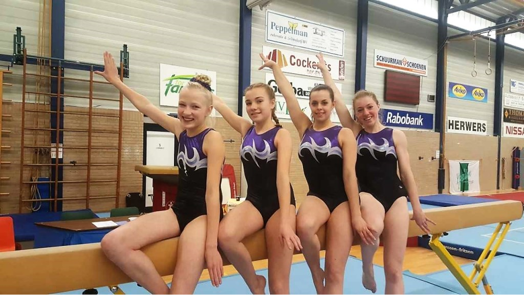 Junior en senior-turnsters vijfde divisie. Foto: PR  © Achterhoek Nieuws b.v.