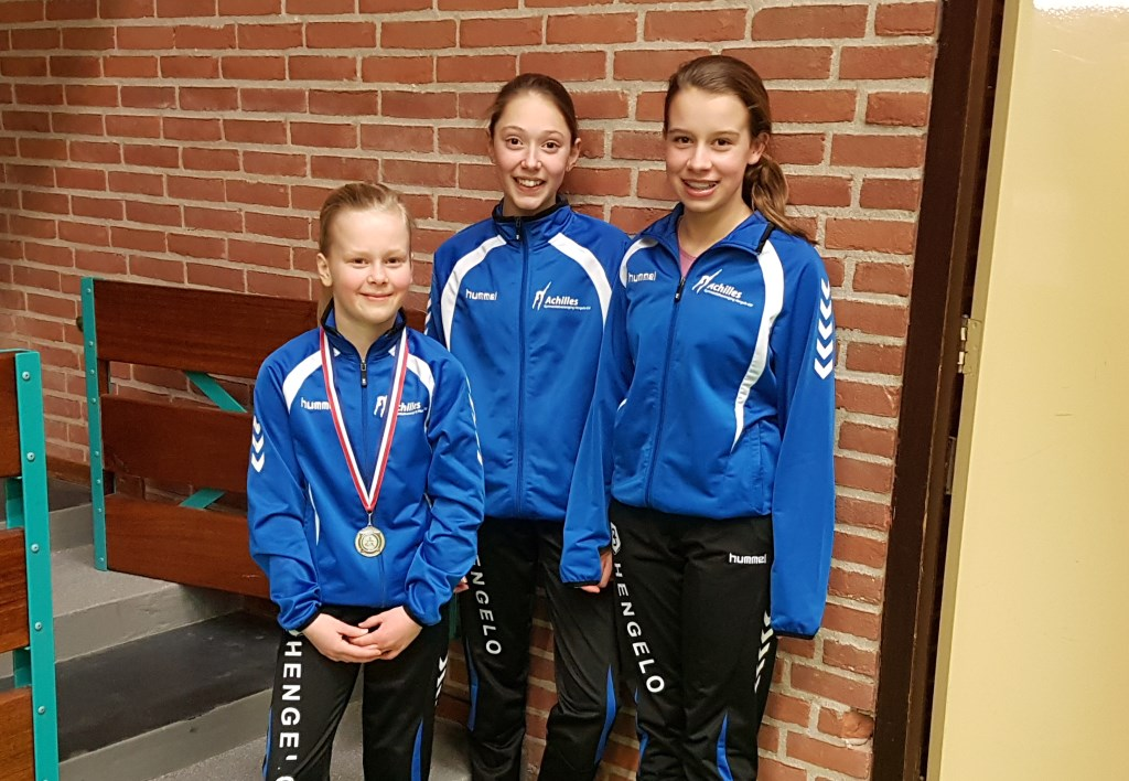 Zilveren medaillewinnares Indy Hoftijzer, Lisa Klein-Bramel en Isa Sessink van Achilles. Foto: PR
