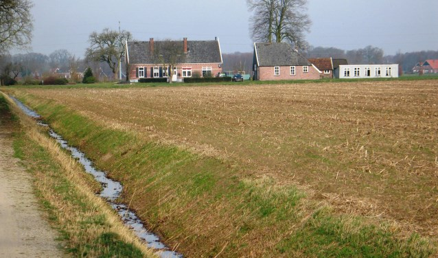 Gemeenteraad lijkt in te stemmen met dierenpension aan de Grote Veldweg in Corle. Foto: Bernhard Harfsterkamp