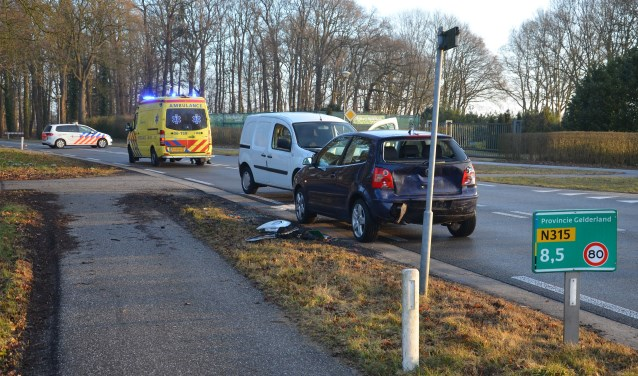Kop-staartbotsing op de Doetinchemseweg in Zelhem. Foto: GinoPress B.V.