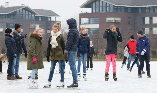 Nog nooit kon er zo laat in het 'winterseizoen' geschaatst worden op de Vordense ijsbaan. Foto: Rob Schmitz
