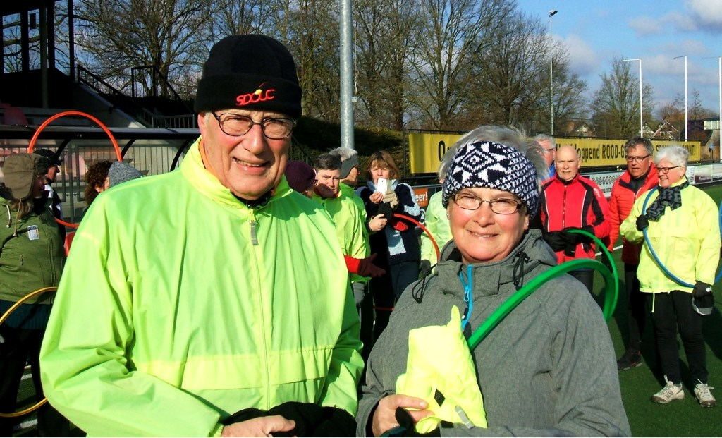 Herman Wielens met Alie Schut, het honderdste lid van de FreeWheel Vitality Club. Foto: Reinier Kroesen  © Achterhoek Nieuws b.v.