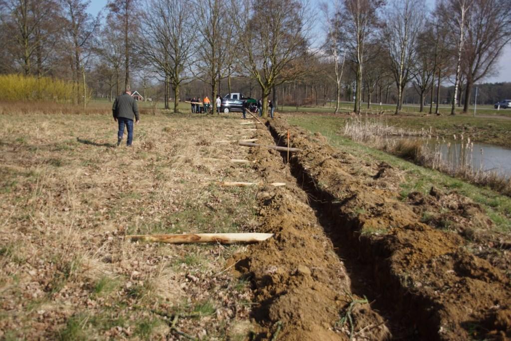 Negentig meter erfafscheiding moet worden geplaatst. Foto: Frank Vinkenvleugel  © Achterhoek Nieuws b.v.