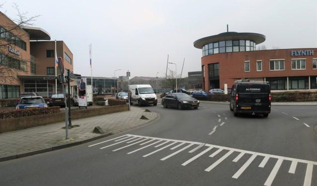 De situatie Winterswijkseweg / Oude Winterswijkseweg wordt steeds drukker en daardoor ver-keersonveilig. Foto: Theo Huijskes