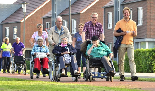Gasten genieten tijdens de Roll-Over Bronckhorst. Foto: Achterhoeknieuws.nl/Paul Harmelink