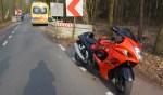Motor raakte beschadigd na onderuit te zijn gegaan bij chicane in Vorden. Foto: GinoPress B.V.