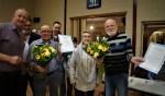 Namens Kon. Harm. Concordia huldigde André Oldenhave de heren Arie Hulshof en Toon Eenink. Foto: Rudy Gerrits